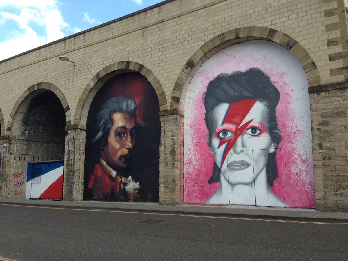 David Bowie behind the Sage