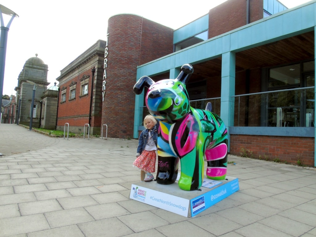 Great North Snowdogs - Graffiti Dog
