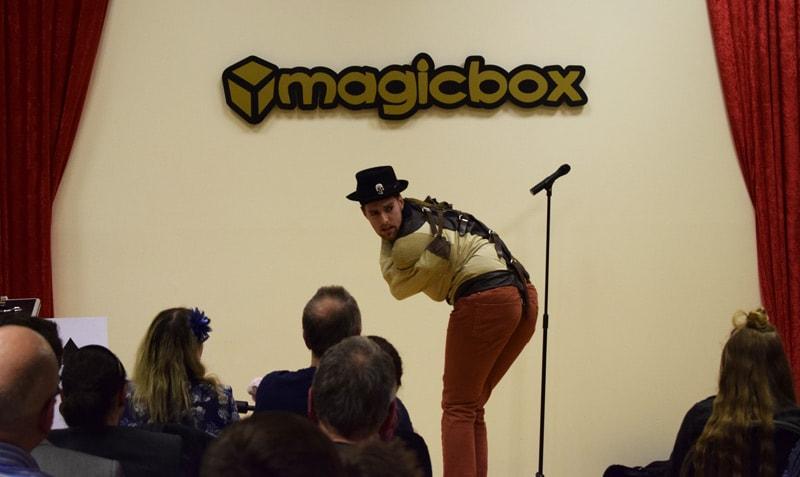 Magicbox Chris Cross