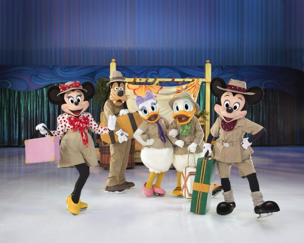 Mickey, Minnie, Goofy, Donald & Daisy are getting ready for an adventure